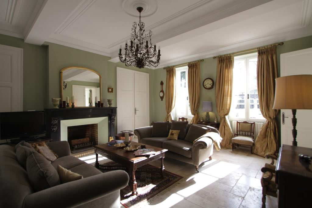 Chateau Drawing Room