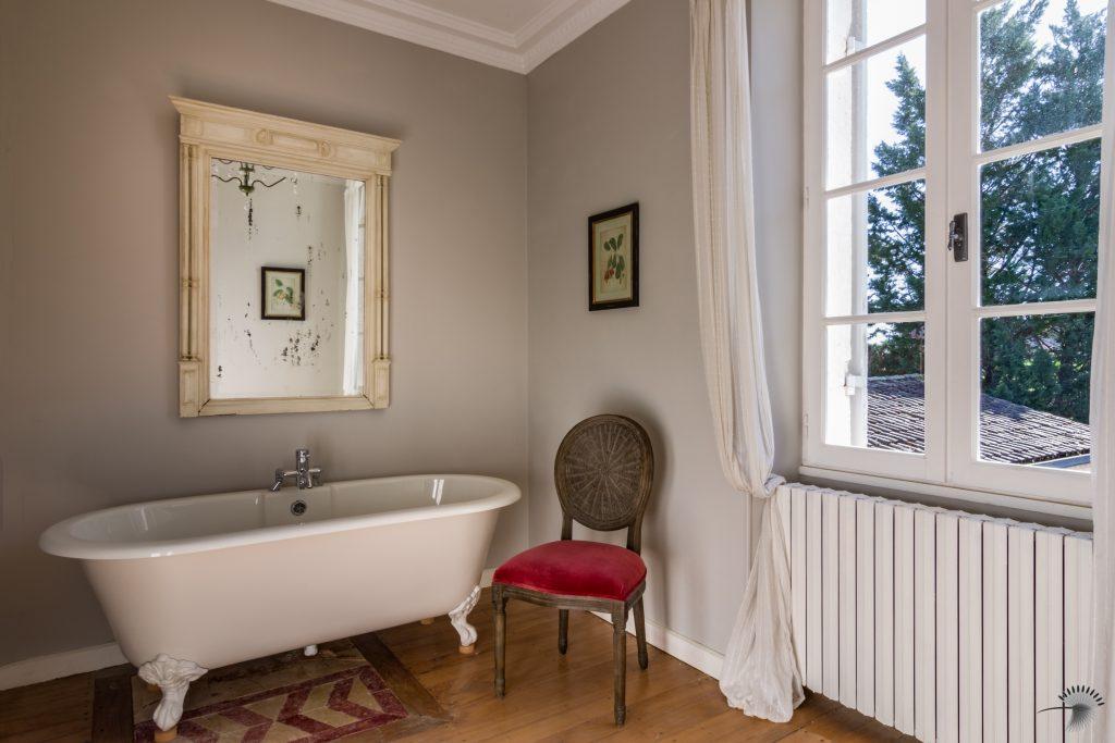 Chateau Bedroom 4 Bathroom